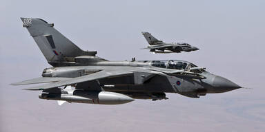 Briten fliegen erste Kampf-Einsätze im Irak