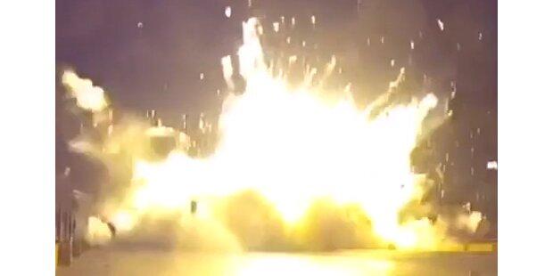 Crash: Rakete sollte aufrecht landen