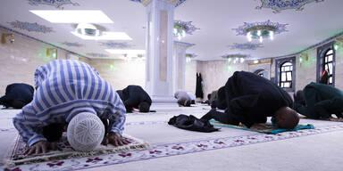 moschee beten ramadan
