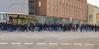 Polizeischuss bei schweren Fan-Randalen in Deutschland