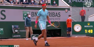 Tennis-Star Nadal spielt mit 1-Million-Dollar-Uhr