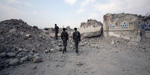 Kurdisches Bündnis kreist IS-Bastion Raqqa ein