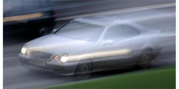 Frontal-Crash nach Flucht vor Polizei