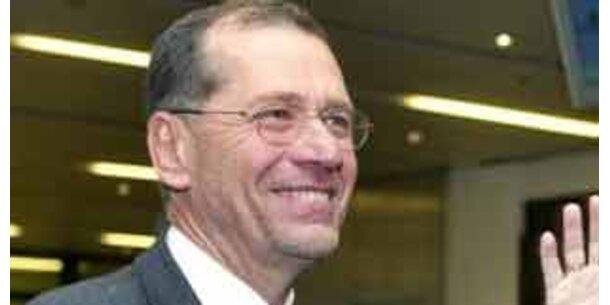 Aktionäre und SPÖ mit harter Kritik an AUA-Chef