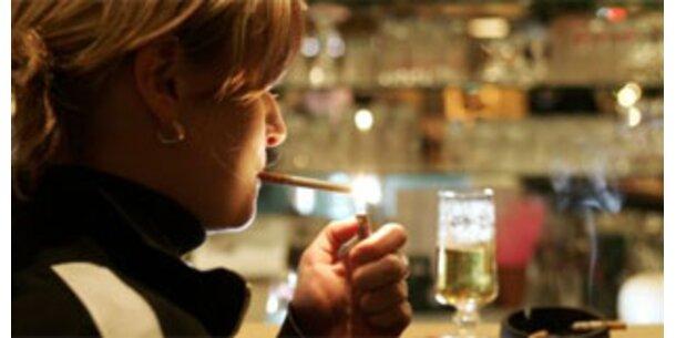 Mitraucher inhalieren täglich 38 Zigaretten
