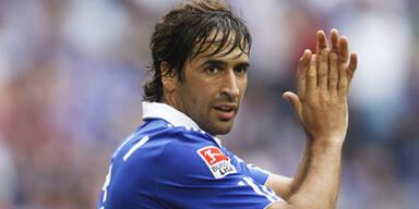 Ganz Schalke liegt Raul zu Füßen