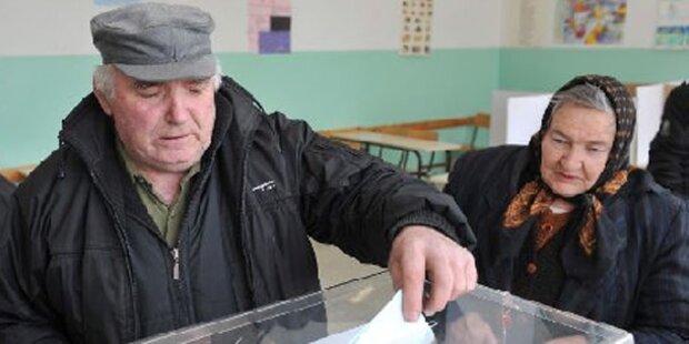 Kosovo-Serben stimmen gegen Pristina