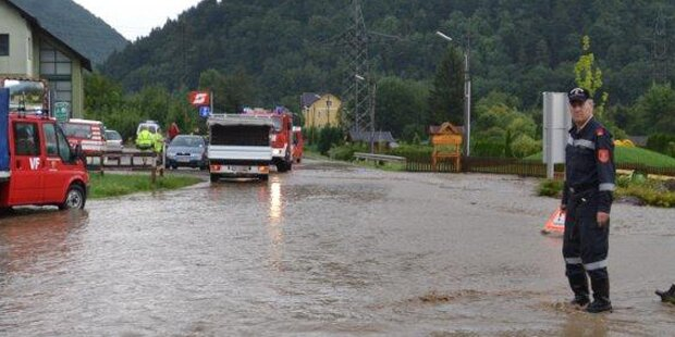 Überflutungen auf den Straßen