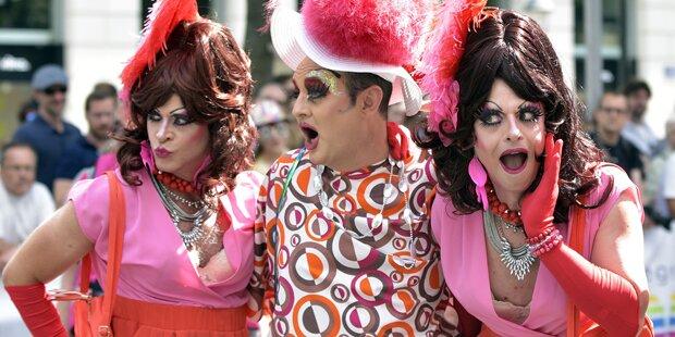 Orlando-Gedenken bei Regenbogenparade