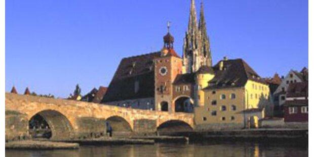 Garagentor zerquetschte Mann in Regensburg