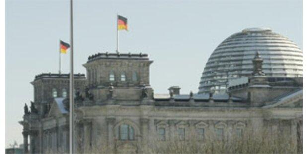 Russen üben die Erstürmung des Reichstags