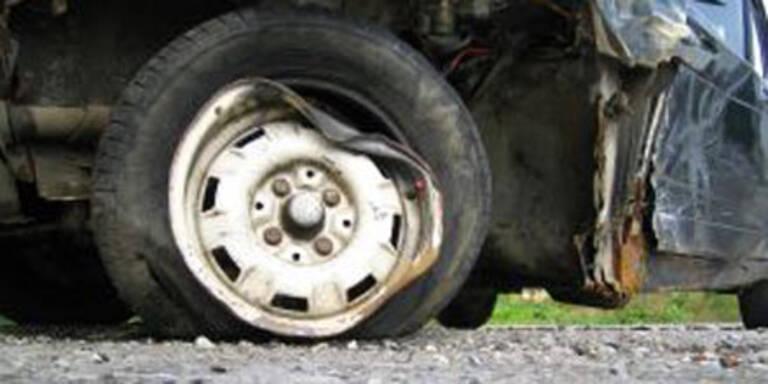 Trickdiebe zerstachen Reifen