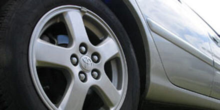 36-Jährige von eigenem Auto überrollt