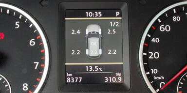 Reifendruck-Kontrolle in Autos Pflicht