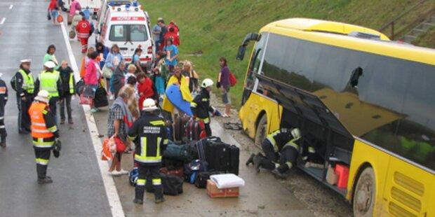 Reisebus auf Nordautobahn verunglückt