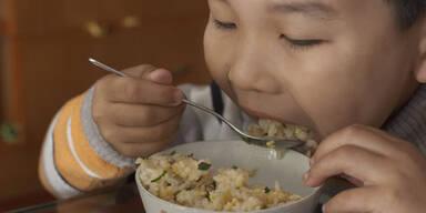 Wirkung von Gen-Reis an Kindern getestet?