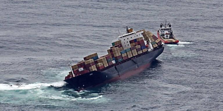 Frachter fast auseinandergebrochen