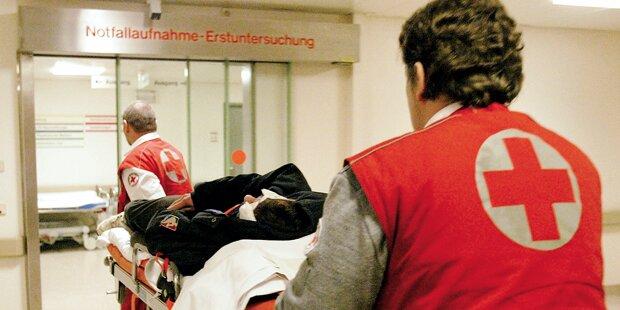 Zwei Männer nach Küchenbrand im Krankenhaus