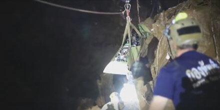 Erstes Video von Höhlen-Rettung ist da