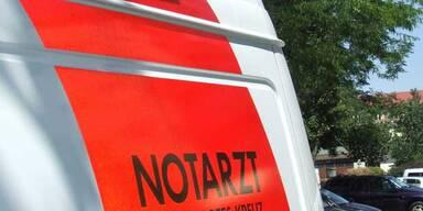 Mit Auto in Bach gerast: 5 Teenager verletzt