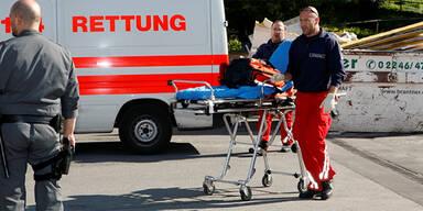 Dreijährige auf Roller von Auto verletzt