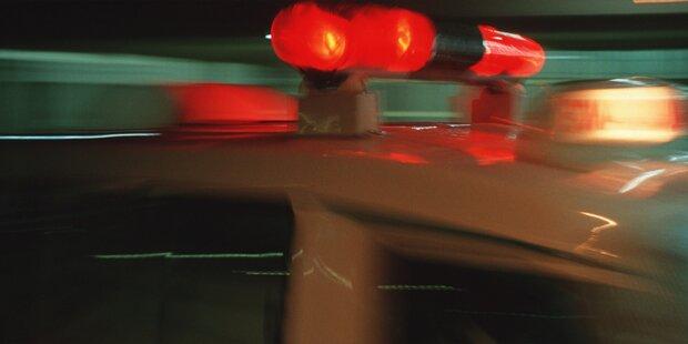 Held rettet zwei Teenies aus Autowrack