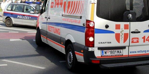 Pkw-Crash in Wien: 2 Schwerverletzte