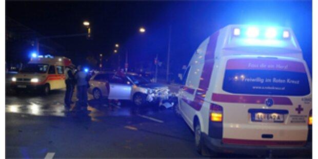 Zwei Tote bei Verkehrsunfall mit Mopedauto