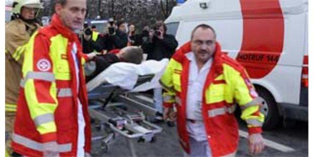 Engländer stürzte in Graz von Balkon auf Autodach