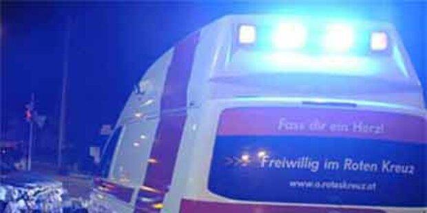 Auto in zwei Teile gerissen - Lenker tot