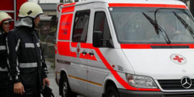 Tödlicher Verkehrsunfall in OÖ auf Schneefahrbahn