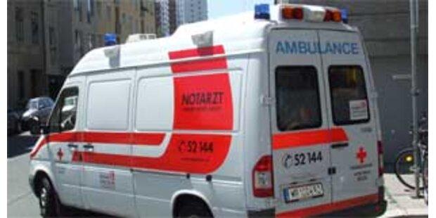 Skiflugfan stürzte am Kulm gegen Zug - verletzt