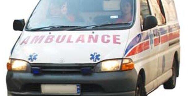 Franzose stürzte beim Weitspucken vom Balkon