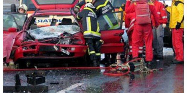 Unfallserie nach Regen in NÖ