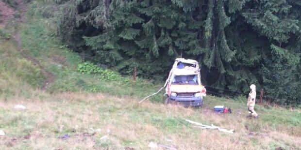 Sanitäter mit Rettungswagen tödlich verunglückt