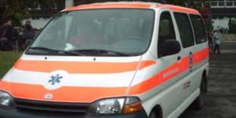 Laster prallt gegen Bus: 14 Tote