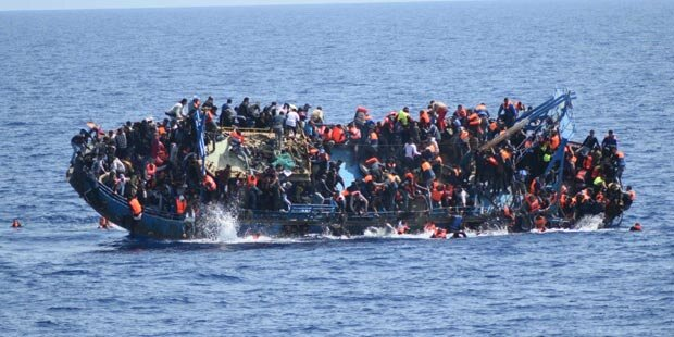 Mehrere hundert Bootsflüchtlinge aufgegriffen