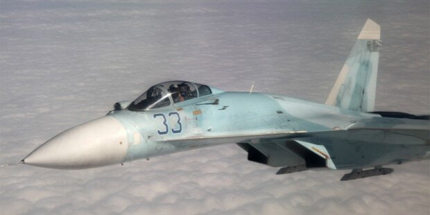 Russischer Jet fliegt Manöver gegen US-Maschine