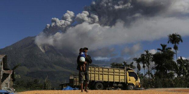 Zehntausende flüchten vor Vulkan
