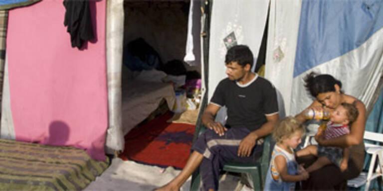 Unbekannte brandschatzen Roma-Siedlungen in Rom