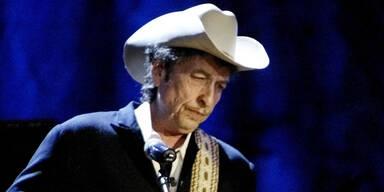 Bob Dylan nimmt Literaturnobelpreis an