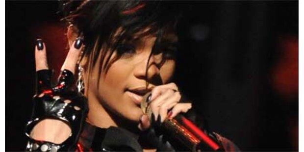 Rihanna will Schmuck von Polizei zurück