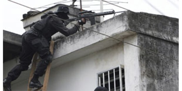 Zehn Tote nach Polizei-Razzia in Rio