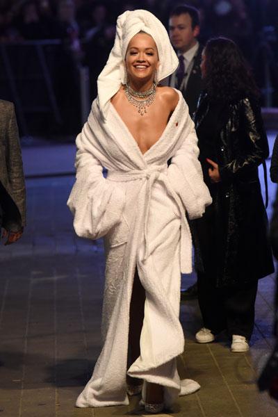 Rita Ora EMAs 2017