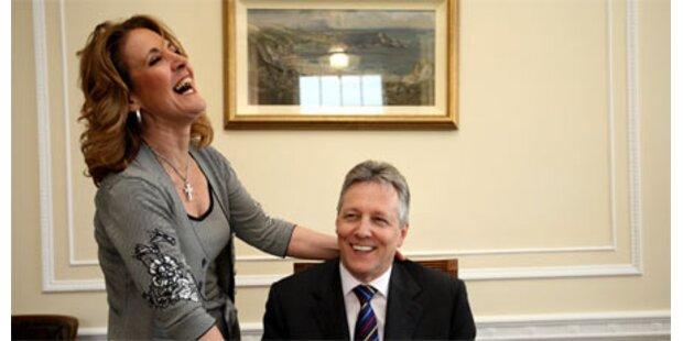 Frau Ministerpräsident liebt 19-Jährigen
