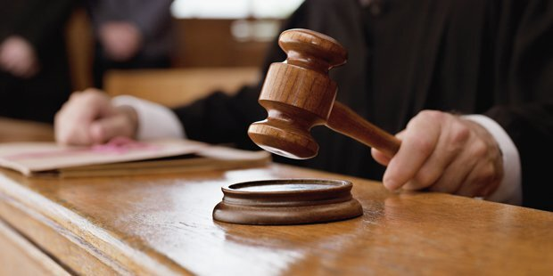 Richter verlangte Nacktfotos von Angeklagten