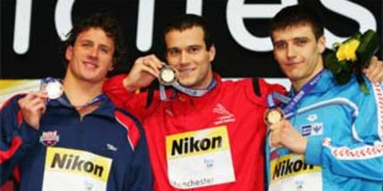 Rogan sorgt auf Weltrekordler-PK für Lacher