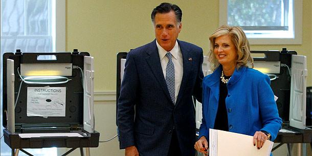 Mitt Romney wählt in Belmont
