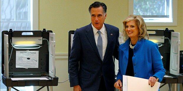 Romney im Stress, Obama spielt Basketball