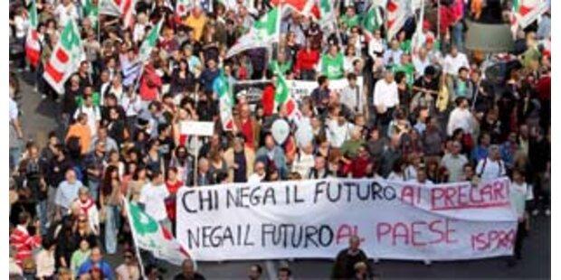 Hunderttausende Menschen bei Demo gegen Berlusconi